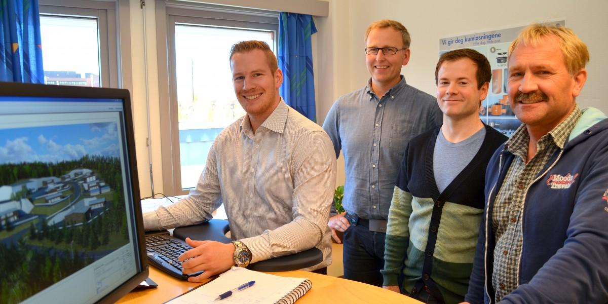 Lars Mosnes (f.v.) Morten Bjøntegaard, Magnus Engehaugen og Ingvald Håberget stortrives på jobb hos Arealtek AS i Elverum.