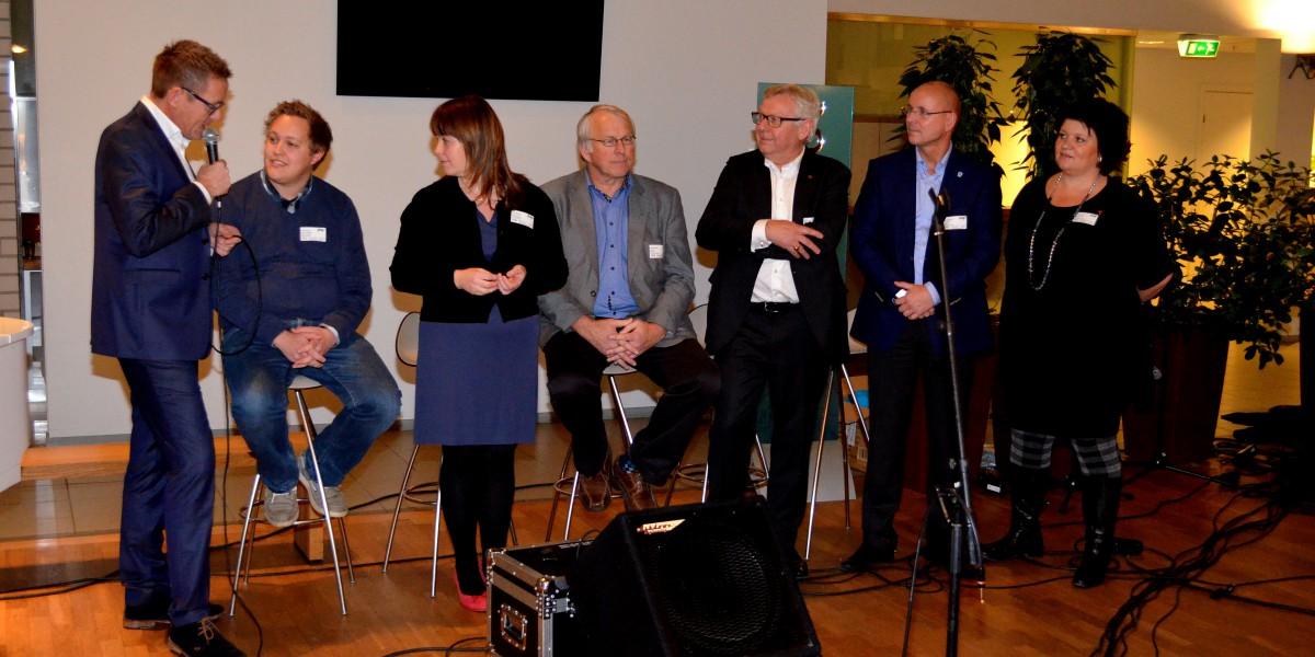 Seks ordførere sto sammen for å ønske utflytta hedmarkinger velkommen hjematt.