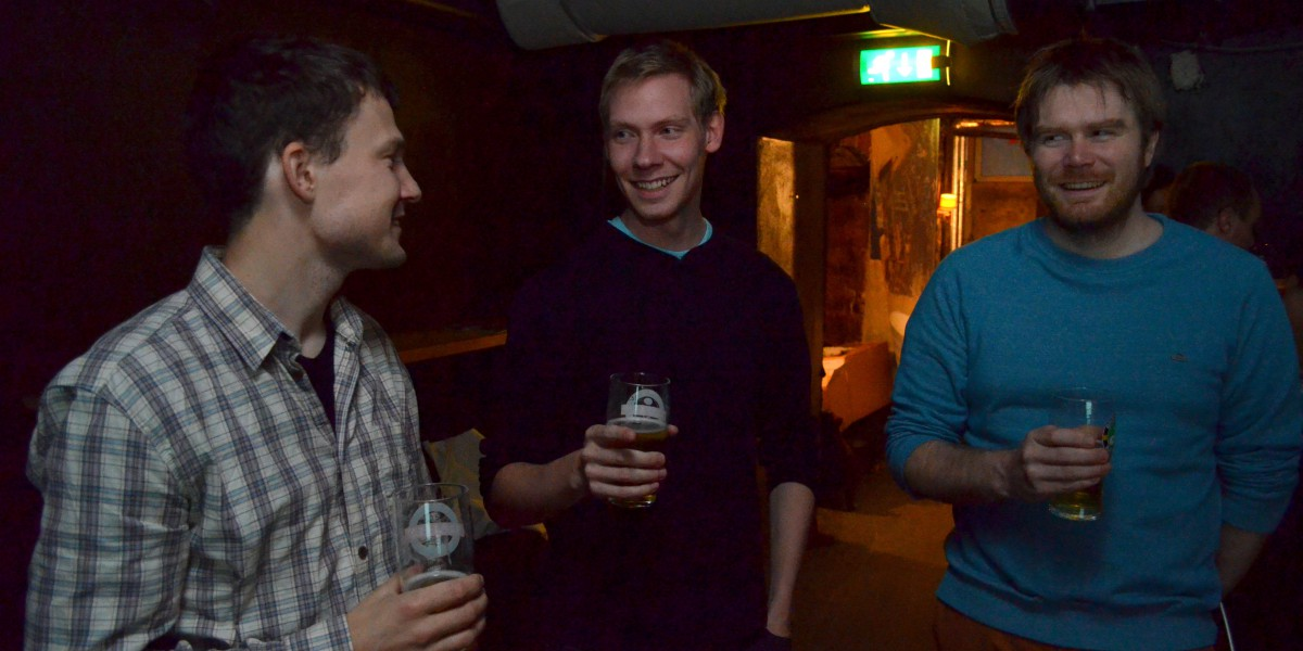 Martin Grindstad (t.v.) Vegard Vindfallet og Sigurd Scheistrøen er ikke helt klare for å flytte hjem ennå, men kanskje om noen år.