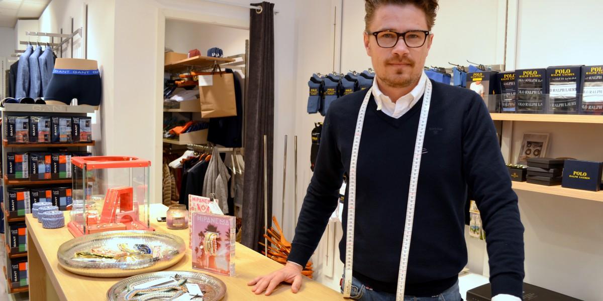 Tore Søsveen har mange års erfaring fra klesbransjen i Oslo. Nå er han stolt av å drive sin egen butikk i Elverumregionen.