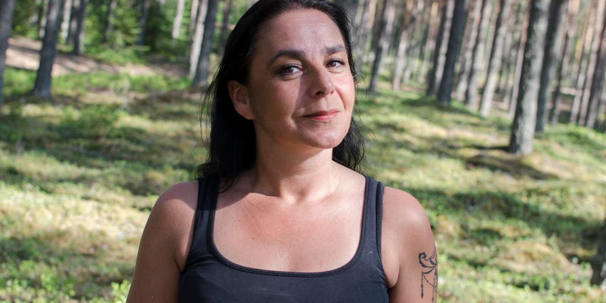 NABOLYKKE: Verdens beste naboer - menneskene og naturen - gjør Stavåsen til det beste stedet å være, synes Hanne Solberg. (Foto: Karoline Almås Sørensen)